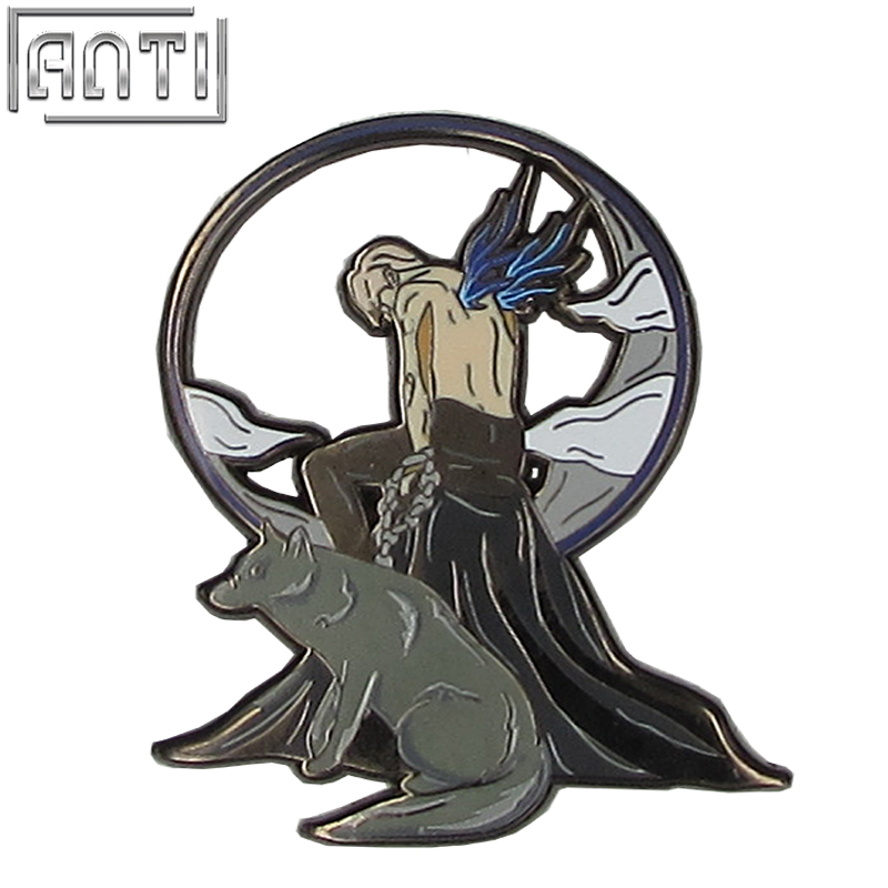 Wholesale black and blue round cool beauty man boy gift hard enamel black nickel Lapel Pin