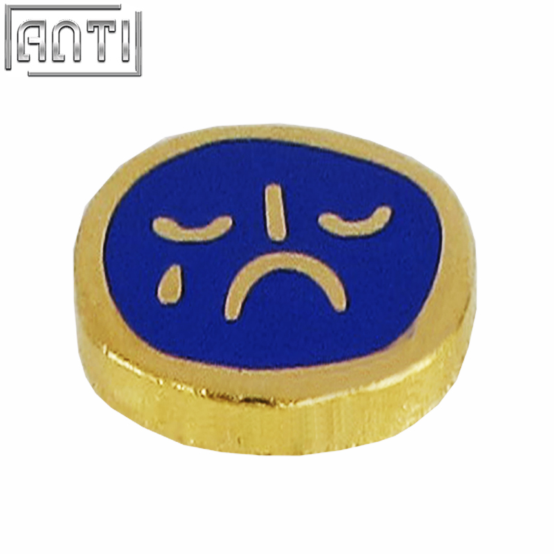 Wholesale manufacturer cool round blue crying face pattern hard enamel zinc alloy lapel pin