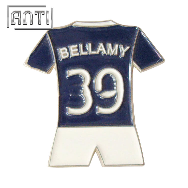 39 mark blue and white sports clothing badge